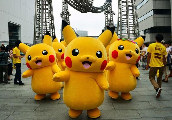 gioi-tre-han-quoc-hao-huc-voi-man-dieu-hanh-pikachu-o-seoul