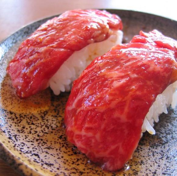 Cận cảnh loại thịt bò ngon nhất thế giới đắt đỏ hơn cả thịt bò Kobe
