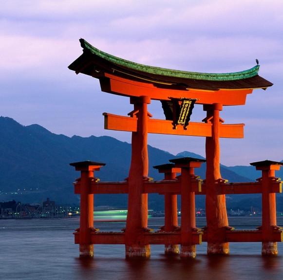 Đền Itsukushima (Thần Xã) - công trình thần đạo quan trong của Nhật Bản